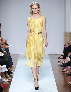 .normaluisa: Abito giallo plissettato - cintura in vita