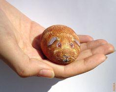 Hand painted rock. Orange guinea pig by Alika-Rikki, via Flickr    I'm loving its' eyes!