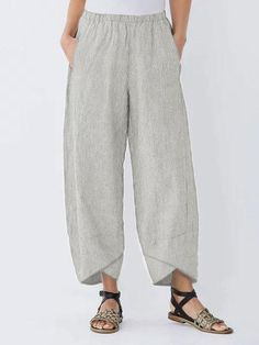Striped Asymmetrical Elastic Waist Pockets Loose Pants is necessary for cold weather, NewChic will show cheap trendy women Pants & Capris for you. Loose Pants, Wide Leg Pants, Casual T Shirts, Casual Pants, Casual Outfits, Sexy Bluse, Mini Robes, Linen Trousers, Black Trousers