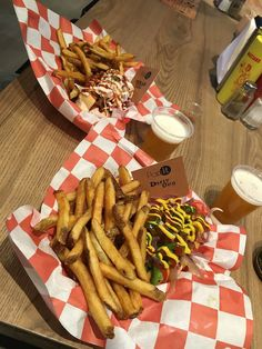 Pop It : Dirty Dog and Texas Dog | Shop 2, G/F, 2 Landale Street, Wan Chai  Also try the Oreo Milkshakes