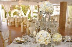 Ivory and gold wedding| Deluxe wedding| Venue Kukua Punta Cana| Design Begokua| Photo by HDC
