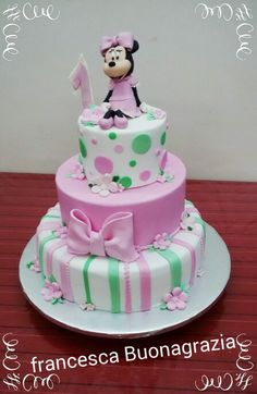 Minnie love cake