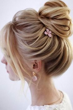 Wedding Hairstyles For Medium Length Hair ★ wedding hairstyles medium hair tex. Wedding Hairstyles For Medium Length Hair ★ wedding hairstyles medium hair textured high bun with pink flower pin lenabogucharskaya Wedding Hairstyles For Medium Hair, Braided Hairstyles, Updos Hairstyle, Modern Hairstyles, Updo For Long Hair, Hairstyle For Medium Length Hair, Up Dos For Medium Hair, Hair Medium, Creative Hairstyles