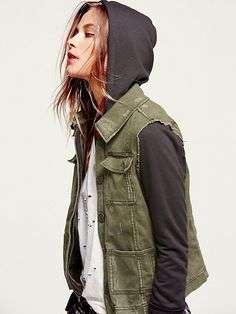 Free People Womens Knit Hooded Twill Jacket from Free People. Saved to Clothes. Estilo Tomboy, Tomboy Stil, Tomboy Look, Androgynous Fashion, Tomboy Fashion, Look Fashion, Androgyny, Fashion Black, Androgynous Girls