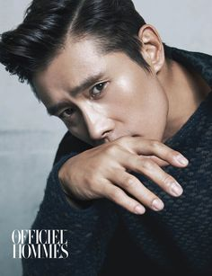 The September 2014 issue of L'Officiel Hommes Korea enlists South Korean superstar Lee Byung Hun for its cover story. The actor is seen wearing tailored fall pieces from Giorgio Armani, as well as a mix of knitwear for a more relaxed approach to the autumn season. He has appeared in various Hollywood films such as both installments of RED and G.I. Joe, and is slated to appear in Terminator: Genysis due out summer 2015.