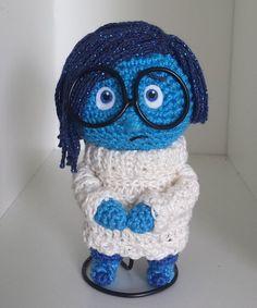 Amigurumi Sadness Doll from Inside Out - FREE Crochet Pattern / Tutorial ༺✿ƬⱤღ  https://www.pinterest.com/teretegui/✿༻