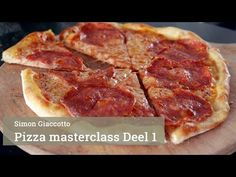 Pizza maken Masterclass Deel 1 - YouTube Hawaiian Pizza, Master Class, Pepperoni, Youtube, Recipes, Rezepte, Food Recipes, Youtubers, Recipies