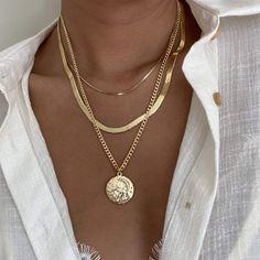Stylish Jewelry, Cute Jewelry, Silver Jewelry, Jewelry Necklaces, Women Jewelry, Golden Necklace, Layered Necklaces Silver, Statement Jewelry, Beaded Jewelry
