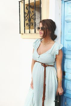 Spring maternity look. MotherhoodCloset.com Maternity Consignment online superstore.