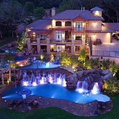 Luxury Living: Grand pools and waterfalls of this magnificent mansion
