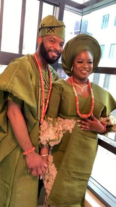 African Fashion Traditional, African American Fashion, African Traditional Wedding, Couples African Outfits, African Dresses For Women, African Fashion Dresses, African Wedding Attire, African Attire, African Textiles