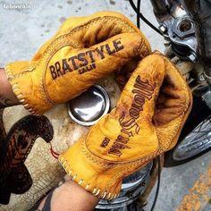Gants cuir moto #Motostuka pour #Bratstyle Import US distribués par www.okaeri-japan.fr