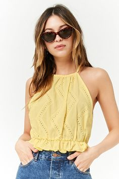 Forever 21 is the authority on fashion & the go-to retailer for the latest trends, styles & the hottest deals. Shop dresses, tops, tees, leggings & more! Crop Top Outfits, Cute Casual Outfits, Casual Chic, Summer Outfits, Blouse Styles, Blouse Designs, Jeans Boyfriend, Cute Crop Tops, Teen Fashion Outfits