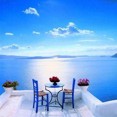 Romantic dining in Santorini #honeymoon #vamotravel #romance #travel