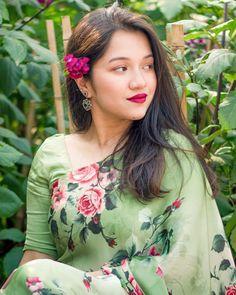 Floral Tops, Sari, Women, Fashion, Saree, Moda, Top Flowers, Fashion Styles, Fashion Illustrations