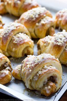 rogale świętomarcińskie Cookie Desserts, No Bake Desserts, Dessert Recipes, Donuts, Polish Recipes, Polish Food, Cake Cookies, Cupcakes, How To Make Cake