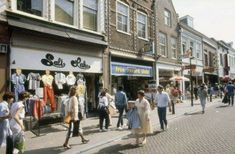 Langestraat Amersfoort (jaartal: 1980 tot 1990) - Foto's SERC Utrecht, Street View, Vintage, Pictures, Vintage Comics