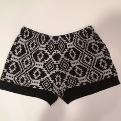 Urban Outfitters BoHo Shorts Boho knit shorts from URBAN OUTFITTERS. In great condition. Perfect for festival season - pear them with booties! Size small. From a pet-free and smoke-free home. Urban Outfitters Shorts