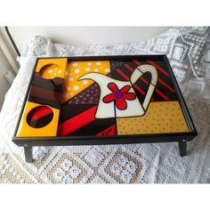 bandejas navideñas en mdf - Buscar con Google Stool Makeover, Mosaic Tray, Small Boxes, Painting On Wood, Vintage Wood, Wood Art, Painted Furniture, Coasters, Projects To Try