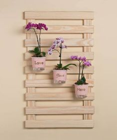 Fun Pallet Projects To Create Awesome Creations - New Deko Sites Popsicle Stick Crafts, Craft Stick Crafts, Diy And Crafts, Jardin Vertical Artificial, Pallet Projects, Diy Projects, Diy Plant Stand, Plant Stands, Wooden Wall Decor