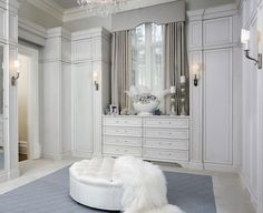 Todas las claves para diseñar tu walk in closet o vestidor  ---> http://blancovintage.blogspot.com.es/2012/06/10-claves-para-disenar-tu-vestidor.html