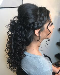 CREDIT: Check out our planning guide that is full of other Half up Half down Quinceañera Hairstyles! Hairstyle half up half down Half Up Curls, Braid Half Up Half Down, Braids With Curls, Braided Half Up, Braided Updo, Wedding Hair Half, Wedding Hairstyles Half Up Half Down, Long Hair Wedding Styles, Wedding Updo