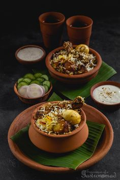 Pearls of rice, succulent chicken, an ensemble of spices, a dollop of ghee, tempting strands of saffron. And those fried potatoes. Indian Food Recipes, Asian Recipes, Bengali Food, Biryani Recipe, Food Photography Tips, India Food, Biryani Chicken, Food Plating, Plating Ideas