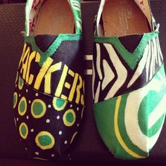 I NEED THESE IN MY LIFE NOWWWWWWWWW Greenbay Packers Painted Toms by fornamessake on Etsy, $85.00