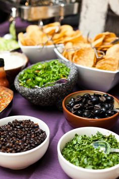 Wedding Reception Food make your own nacho station as a late night snack.I always want nachos when I'm drunk! Wedding Reception Food, Wedding Catering, Wedding Ideas, Reception Ideas, Midnight Snacks, Late Night Snacks, Appetizer Buffet, Nacho Bar, Mexican Food Recipes