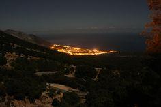 Gonone + Luna | Foto scattata alle 2 di notte, con la luna p… | Fabio Deriu | Flickr