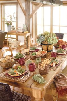 Mix and match contrasting colors to make a beautiful seasonal table