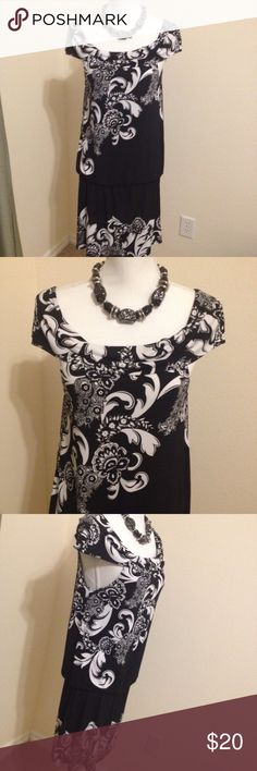 White House black market dress size medium Size medium White House black market dress excellent. Has elastic gathering at waist. Great dress for all occasions. Measures 16.5 inches across at bust and 38 inches long from shoulder. I love to bundle. I love offers. White House Black Market Dresses Midi