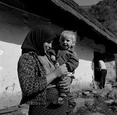 Asszony gyermekével. 1968.