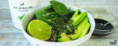 Green bowl spiruline - Envie d'un bol healthy et plein de vitamines ? Voici la recette nu3 idéale pour faire le plein d'énergie et de minéraux avec ce green bowl à la spiruline. Il n'est pas toujours facile de savoir comment consommer la spiruline en poudre, voici une alternative en vinaigrette qui devrait en ravir