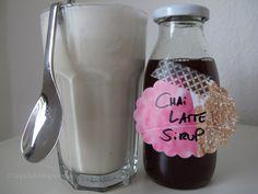Zum Frühstück gab es heute einen Chai Latte mit selbstgeköcheltem Sirup. Der schmeckt super und hat sicher kein solches Vermögen gekostet w...