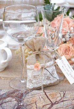 Burlap & lace sachet wedding favors.