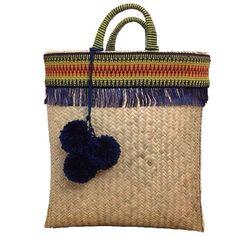 Sua bolsa de palha customizada, você encontra aqui na @lindamoliva Bolsa Apuana…