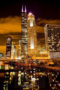 Milwaukee city Photos series 13 – Pictures of Milwaukee city : Chicago At Night, Visit Chicago, Chicago Travel, Chicago City, Chicago Skyline, Chicago Illinois, Milwaukee City, Chicago Photography, City Photography