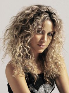 Shakira with Natural Curly Hair
