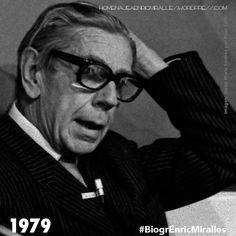 #BiogrEnricMiralles Se matricula en el curso de doctorado: 'Frank Lloyd Wright', impartido por Josep María Sostres