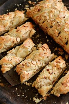Sweet Almond Pastry: best served warm for breakfast!- Sweet Almond Pastry: best served warm for breakfast! Sweet Almond Pastry: best served warm for breakfast! Breakfast Pastries, Bread And Pastries, Italian Pastries, Sweet Breakfast, Breakfast Ideas, European Breakfast, Breakfast Healthy, Breakfast Dessert, French Pastries
