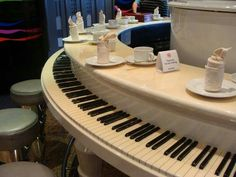 Haven't seen a round piano before...KSS