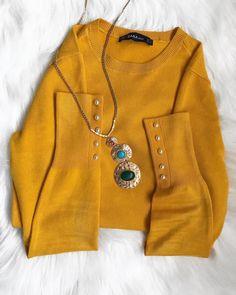 "25 mentions J'aime, 2 commentaires - Lena Gomes (@miss.lenagomes) sur Instagram: ""A minha nova camisola da Zara de cor amarelo-torrado. #styleblog #Zara#roupa #modafeminina…"" Zara, Feminism, Sweaters, Instagram, Fashion, Yellow Sweater, Yellow, Outfit, Moda"