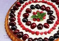 Ze smakiem i z pasją: Tarta migdałowa z owocami (bez mąki i cukru)