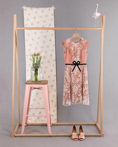 Diy Fashion Photography, Home Studio Photography, Fashion Photography Inspiration, Clothing Photography, Clothing Store Displays, Flatlay Styling, Photo Studio, Wall Decor, Photoshoot