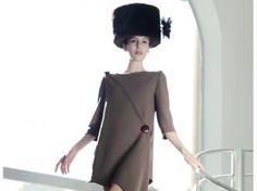 Modelo de Pierre Cardin, colección Primavera/Verano 2011.