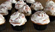 Cinnamon Roll Cupcakes - fast, easy, delicious!