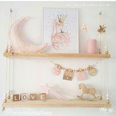 WEBSTA @ lilipinso - Que des belles choses sur cette étagère !Beautiful things on this shelf!Repost @majoliecabane ・・・#decoration #etagerebois #chambrefille #shelfdecor #decoshelf #deco #decor #decokids #decorforkids #lilipinso #lilipinsoposter #pinkdecor #babyroom #kidsroom #kidsroomdecor #kidsroominterior #flamingopink #posterflamingo