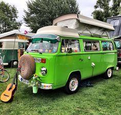 Volkswagen T2 at #bullisummerfestival 2017. #cars #car #instacars #carsofinstagram #t2 #quickcarreview #bullies #vw #vwbulli #vwtransporter #volkswagen @volkswagen_de @volkswagen_nutzfahrzeuge_vwn