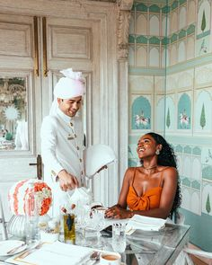 """If you ever want to know what it's like to live like a """"ROYAL"""" for a couple of hours, treat yourself to some afternoon chai at the Raj Mahal palace. ⠀⠀⠀⠀⠀⠀⠀⠀⠀⠀⠀⠀ Many thanks to Yashpal of for spoiling me. Black Girl Magic, Black Girls, Bougie Black Girl, Black Girl Aesthetic, Classy Aesthetic, Black Luxury, Black Couples, My Black Is Beautiful, Luxury Lifestyle"""